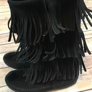 Minnetonka triple fringe black boots